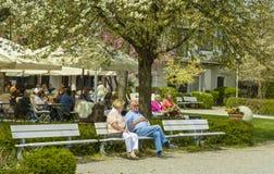 Terrasse in Starnberger lizenzfreie stockfotografie
