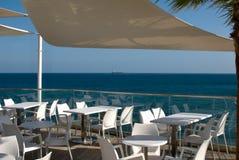 Terrasse sur le bord de mer Photographie stock