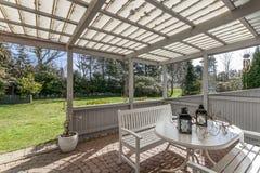 Terrasse und Garten Lizenzfreie Stockfotografie