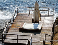 Terrasse- und Strandbetten Lizenzfreies Stockfoto