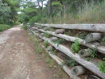 Terrassement en bois de la terre Photographie stock libre de droits