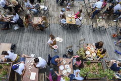 Terrassengeist im Sommer Stockfotos