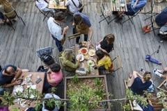 Terrassengeist im Sommer Stockbild