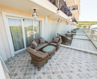 Terrasses des appartements dans un hôtel cinq étoiles dans Kranevo, Bulgarie Photo stock