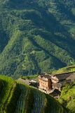 Terrasses et village de riz de paysage dans la porcelaine Images libres de droits