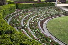 Terrasvormig bloembed in de sandringham herdenkingstuin in Hyde Park royalty-vrije stock foto