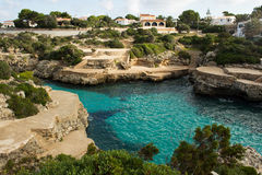 Terrasvormig strand met turkoois water Royalty-vrije Stock Fotografie