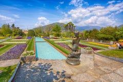 Terrasvormige tuinen in de botanische tuin van Villa Taranto in Pallanza, Verbania, Italië Royalty-vrije Stock Afbeeldingen