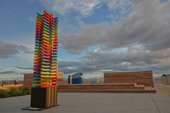 Terraza colorida abstracta Taupo del lago de la escultura en luz de la tarde Imágenes de archivo libres de regalías