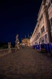 Terraza con las estatuas, universidad de la jesuita, Bohemia central, Kutna Hora imagen de archivo libre de regalías