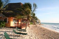 Terraza de Palapa en Playa del Carmen - México Imagen de archivo libre de regalías