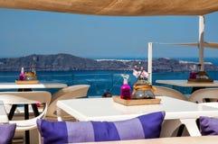 Terraza del panorama sobre la caldera de Santorini Fotografía de archivo