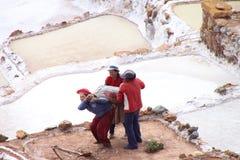 Terrazas de la sal del Moray, Perú Foto de archivo