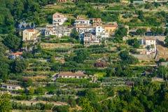 Terrazzi di agricoltura intorno alla città di Ravello, Italia Fotografia Stock