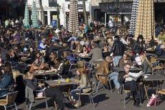 Terrazzo all'aperto del caffè Fotografie Stock Libere da Diritti