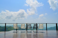 Terrazzo all'aperto magnifico con le sedie Immagine Stock Libera da Diritti