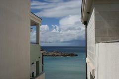 Terrazzo con la vista del mare Immagini Stock