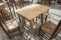 Terrazzo del ristorante con mobilia tradizionale alla città di Capileira Immagine Stock Libera da Diritti