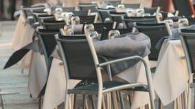 Terrazzo di estate vicino al mare Tabelle vuote archivi video