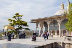 Terrazzo di marmo con il chiosco di Bagdad fotografie stock