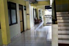 Terrazzo piano del corridoio al giorno Fotografia Stock