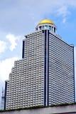 Terrazzo Tailandia di Bangkok in oro dei palazzi del distretto di ufficio Immagine Stock
