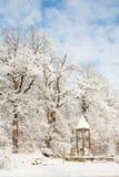 Terre de merveille d'hiver - monument romain images stock