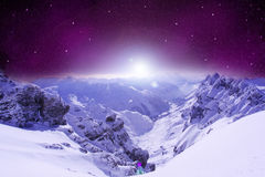 Terre de montagne et abrégé sur ciel image libre de droits