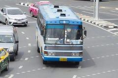 8 terre heureuse de commercialisation - voiture commémorative d'autobus du pont CNG Images stock
