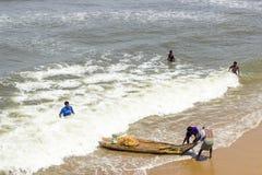 Terre non identifiée de pêcheurs Photo stock