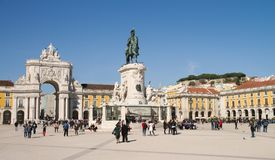 Terreiro gör Paco, D Jose King staty och Rua Augusta Arch, Lissabon royaltyfria foton