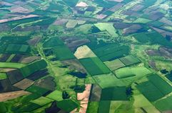 Terreno coltivabile da grande altezza nel territorio di Krasnodar della Russia immagini stock