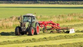 Terreno coltivabile del trattore di Fendt Fotografie Stock Libere da Diritti