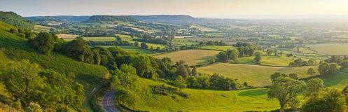 Terreno coltivabile rurale idilliaco, Cotswolds Regno Unito immagini stock
