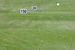Terreno da golf con i segni di distanza Fotografia Stock
