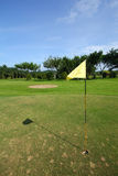 Terreno da golf con la bandierina Fotografia Stock Libera da Diritti