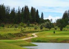 Terreno da golf in Tailandia fotografie stock libere da diritti