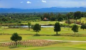 Terreno da golf in Tailandia fotografia stock libera da diritti