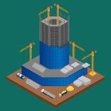 Terreno de construção com construção sob o arranha-céus da construção Imagens de Stock Royalty Free