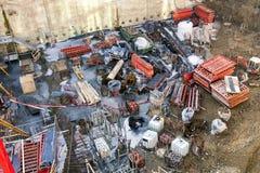 Terreno de construção congestionado com fontes numerosas imagens de stock royalty free