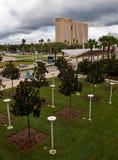 Terreno e edifício moderno Fotos de Stock Royalty Free