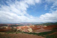 Terres cultivables colorées dans dongchuan de la porcelaine Photo libre de droits