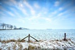 Terres cultivables néerlandaises types en hiver photographie stock