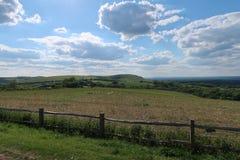 Terres cultivables ouvertes sur les bas du sud du Sussex photos libres de droits
