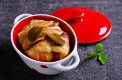 Terrina della carne con bacon fotografie stock