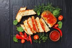 Terrine délicieuse de poissons coupée dans les tranches images stock