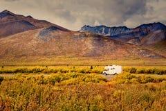 Território yukon Canadá da aventura da estrada de Dempster Imagens de Stock Royalty Free