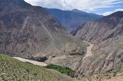 Territoriet av den Tibet Nu floden Fotografering för Bildbyråer
