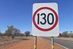 Territorio del Nord Australia del segno di velocità di 130km fotografia stock