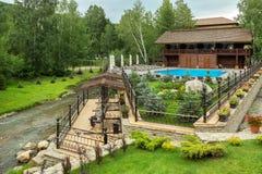 Territorio dell'edelweiss del sanatorio a stazione turistica di Belokurikha nel Altai Krai Fotografie Stock Libere da Diritti